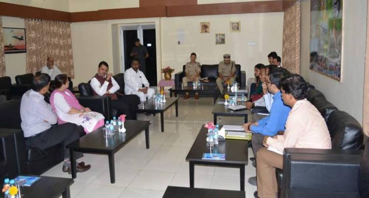 Hon'ble Chief Minister of Maharashtra Shri Devendra Fednavis interaction with IMCT Team
